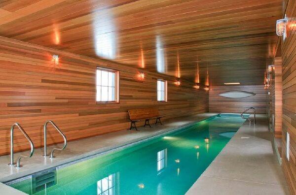 ahşap kaplama kapalı mekan içi skimmerli yüzme havuzu