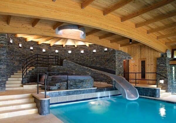 aqua park kaydıraklı lüks villa içi kapalı yüzme havuzu