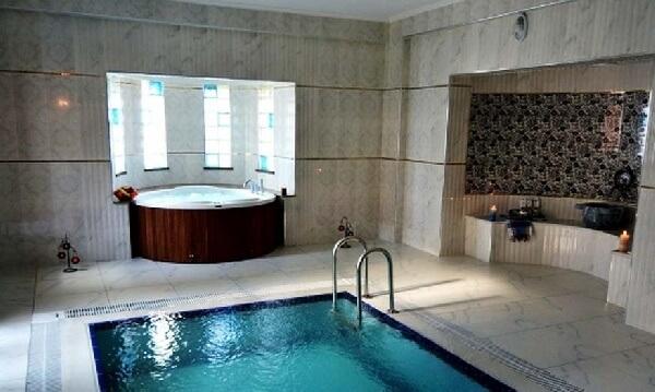 osmanlı hamamı temalı villa içi kapalı jakuzi ve taşmalı havuz